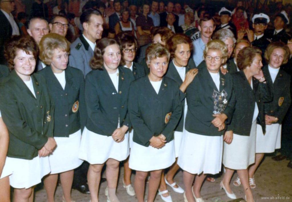 Schützenfest1973-38-Gruppenbild