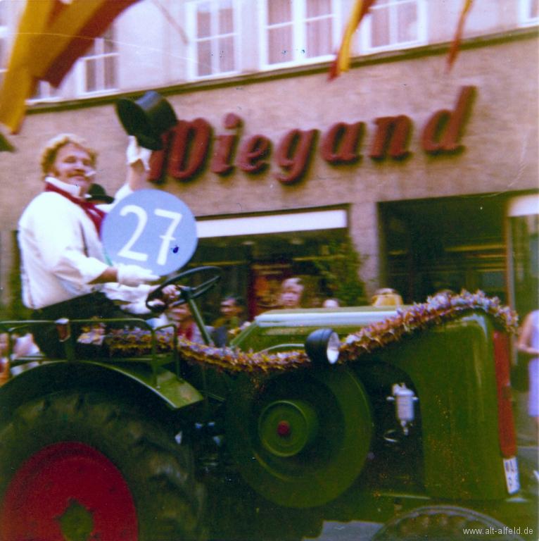 Schützenfest1973-70-GerhardWulfes-UweHagemann