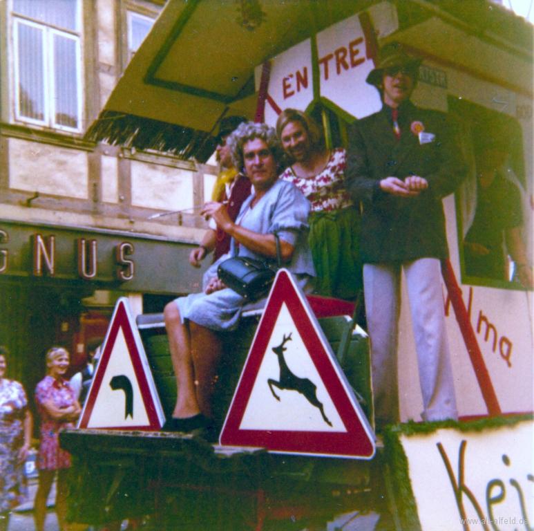 Schützenfest1973-72-GerhardWulfes-UweHagemann