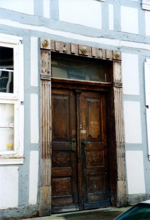 UntereMühlenstr2001-02-Tür