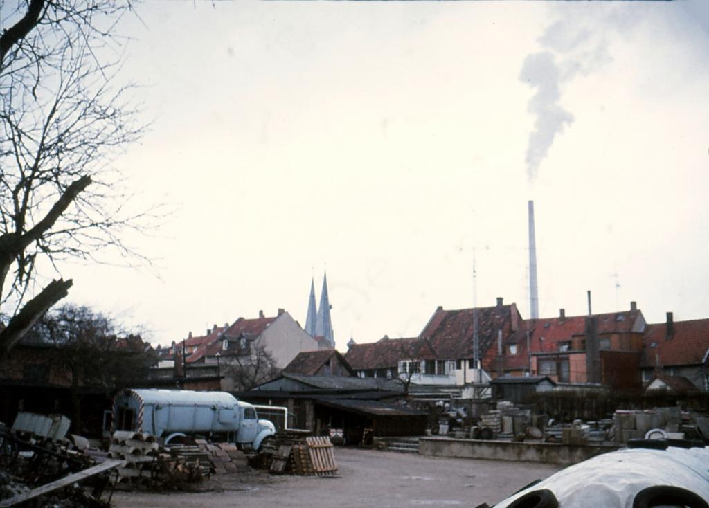 Wallstr1979-04-29-05-AlterBauhof