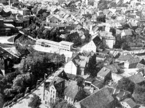 az-vom-31-12-1954-chronik-1954_ocr_seite_1_luftbild
