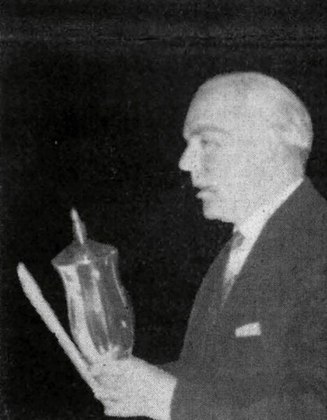 Willi Nikulka überreichte bei der 13. Stadtsportwoche zum letzten Mal die Pokale