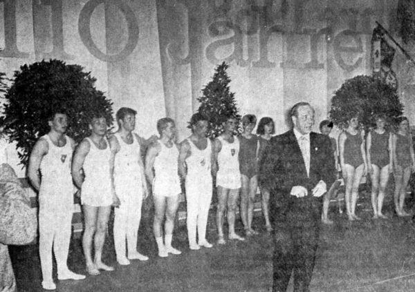 1. Vorsitzender Dr. Suck beim 110. Geburtstag der SV Alfeld