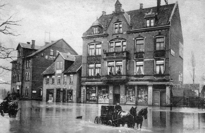 Bahnhofsplatz1909-02a-Hochwasser