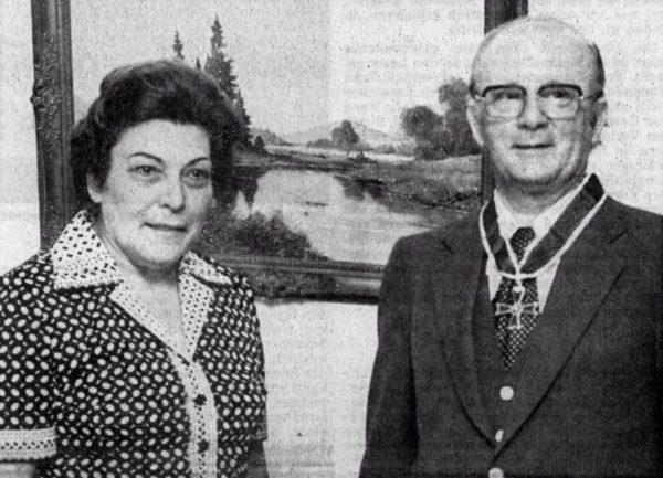 Mit dem Großen Verdienstkreuz wurden Wiihelm Hlnsches Verdienste als Landtagsabgeordneter und Landrat anerkannt