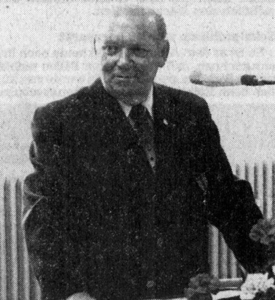 MAI: Nach 22jährlger Tätigkeit als Vorsitzender des Kreissportbundes Alfeld wurde Heinrich SIevert mit dem Verdienstkreuz am Bande ausgezeichnet