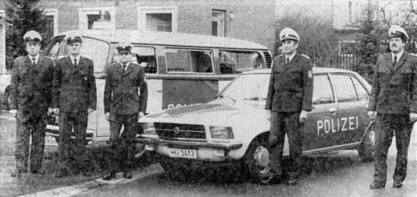 Chronik1979-13-Polizei-Uniformen