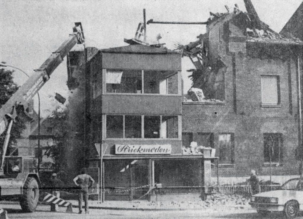 Dem Bau der Alfelder Süd-Ost-Tangente mußte das Haus Guden an der Bahnhofstraße weichen