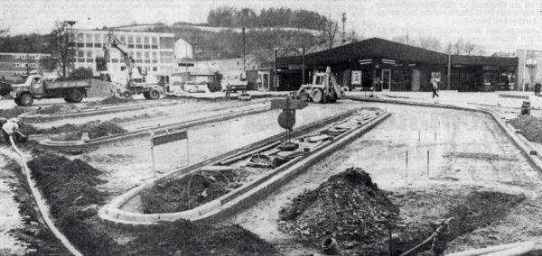 In seiner Grundstruktur zeichnet sich der Zentrale Omnibusbahnhof auf dem Alfelder Bahnhofsvorplatz bereits deutlich ab
