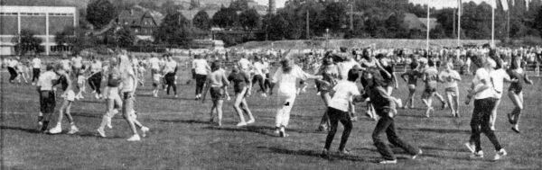 """Als """"Tanz des Jahres"""" spielte der Ententanz auch bel der Einweihung des Fredener Sportzentrums im September eine große Rolle"""