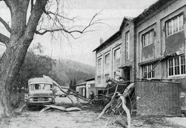 MÄRZ: Stürme und Überschwemmungen richteten SchAden wie hier In Melmerhausen an