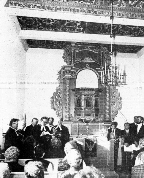 SEPTEMBER: Einweihung der Im Alfelder Stadtkern wieder aufgebauten Kapelle St. Ellsabeth