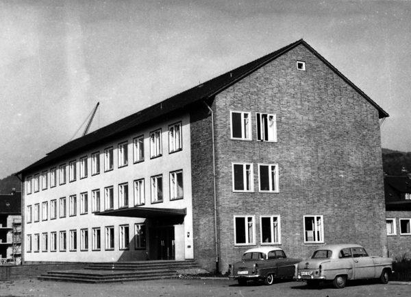 Ravenstr1950er-01-Finanzamt